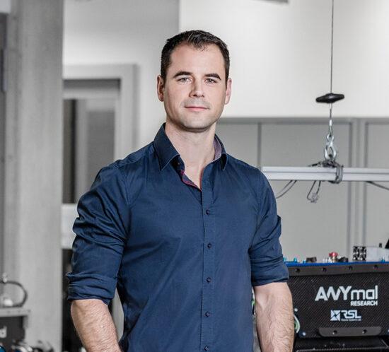 Marco Hutter, Branco Weiss Alumnus